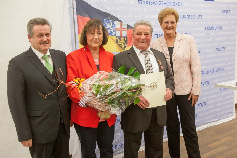 Günter Walter erhält das Bundesverdienstkreuz